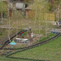 Детская площадка на ул. Борисовых, Карло-Либкнехтовск
