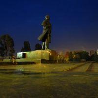 Ленін в центрі міста Маріуполь .., Мариуполь