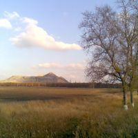 Вид на терикон з траси Марїнка - Донецьк  View up to waste bank from Marianka - Donetsk highway, Марьинка