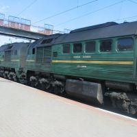 Diesellokgespann beim Lokwechsel in Korosten, Коростень