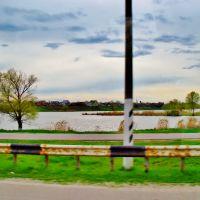 23.04.2012 16:40  Одесское шоссе. Водоем реки Протока., Гребенки