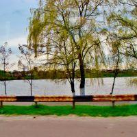 23.04.2012 16:41  Одесское шоссе. Вдоль водоема в поселке городского типа Гребенки., Гребенки