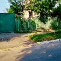 10.06.2012 17:32  Дорога Р-04. Дом по улице Розы Люксембург., Тараща