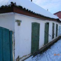 одно из самых старых зданий в городке, Алексадровка