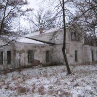 Споруда 19 ст. біля парку в Онуфріївці, Онуфриевка