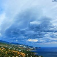 The autumn sky over the Black Sea, Алупка