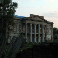 Старый дом в Александровске. An old house in Aleksandrovsk., Алексадровск