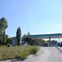 Бензозаправка на микрорайоне (после ремонта). Petrol station on the neighborhood (after repair), Антрацит