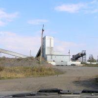 Перерабатывающая горную массу фабрика., Бирюково