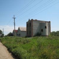 Улица недостроенных домов. A street of unfinished buildings., Зимогорье