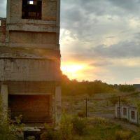 Закат на 2-бисе, Краснодон