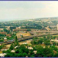 Транспортная эстакада у железнодорожного вокзала в Луганске, Луганск