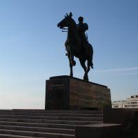 Памятник К.Е. Ворошилову, Луганск