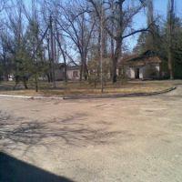 больница, двор старой поликлиники, Станично-Луганское