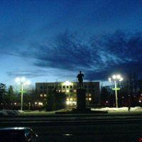 Вид на памятник Ленина и исполком, Стаханов