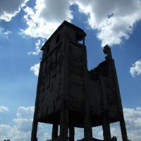 На руинах завода, Стаханов