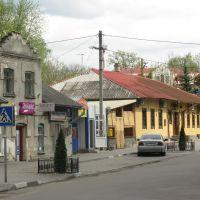 В центрі Пустомит, Жолкиев