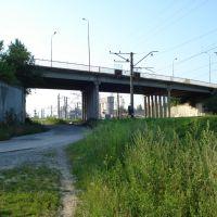 Міст через колію, Жолкиев