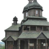 Черная деревянная церковь Зарваницкой Божьей Матери., Золочев