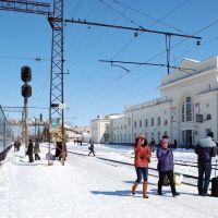 Стрый. ЖД вокзал. Снег в конце марта, Стрый