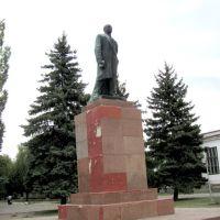 В.И.Ленин,в жалком состоянии,но живее всех живых.г. Н-Буг., Новый Буг