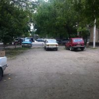 Проезд огорожен - далее стоянка возле супермаркета, Березовка