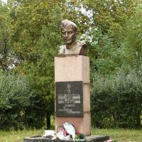 Памятник Ф.І.Марченку, Белики