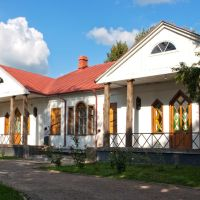 Музей Гоголя. Задний фасад, Гоголево