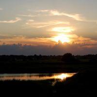 Захід сонця над селищем. Sunset over the village, Демидовка