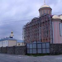будівництво монастиря, Млинов