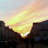 Вечер над городом, Глухов