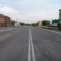 Одна из центральных улиц Путивля, Путивль