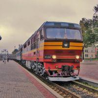 TEP70-0058 diesel locomotime arriving to station Sumy (тепловоз ТЭП70-0058 прибывает на ст. Сумы), Сумы