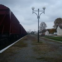 Станция Гусятин. Пассажирская платформа. Вид в сторону тупика, Гусятин