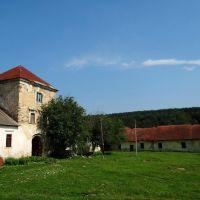 Золотий потік - замковий двір, Zolotyi Potik - castles yard, Золотой Поток - двор замка, Potok Złoty - zamek, Золотойпоток