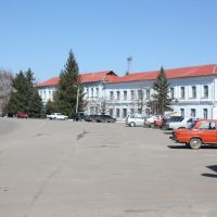 Площа, пополудні, Барвенково