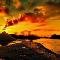 Winter sunset on the Konka river, Великая Александровка