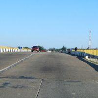 Мост через пролив Тонкий, Геническ