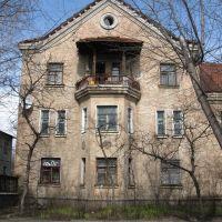 Фрагмент дома на улице Ленина.(Архитектура 50-х), Новая Каховка