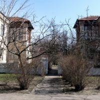 Вход во двор с улицы Комсомольской., Новая Каховка