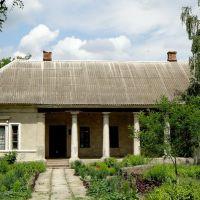 Музей - строение бывшей барской усадьбы, Нововоронцовка