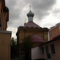 Во дворе церкви царицы Александры, Херсон