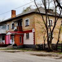24.04.2012 16:05  Двухэтажное кирпичное здание., Звенигородка