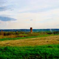 23.04.2012 17:58  Дорога Р04. Водонапорная башня перед г.Лысянка., Лысянка