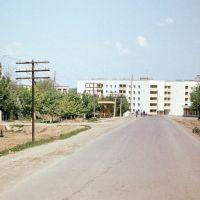 """Talnoje: Im Rahmen des Jugendobjektes """"Drushba-Trasse"""" von der DDR errichtete Wohnhäuser, Тальное"""