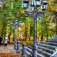Возле памятника Н.В.Гоголю, Нежин
