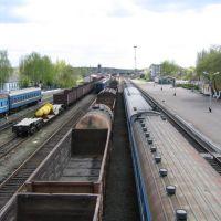 Вид с пешиходного моста на ж.д. вокзал, Щорс