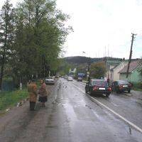 Берегомет 100 м в сторону центра от перекрестка Вижница-Лопушна, Берегомет