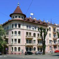 Corner of Grushewskogo street and Kotliarewskogo street, Черновцы