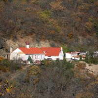 Кизилташский монастырь в окружении горного леса, Краснокаменка